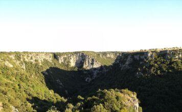 Escursione nel canyon di Laterza per un cammino lento