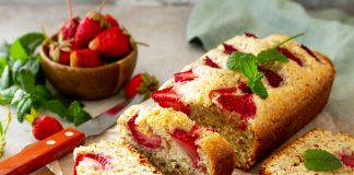 Ricetta plumcake alle fragole e yogurt un dessert delizioso