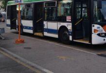 Denunce a chi parcheggia ostruendo passaggio bus Amat