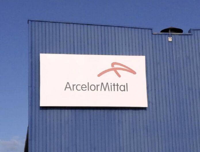 Entrati in sciopero operai ArcelorMittal di Taranto