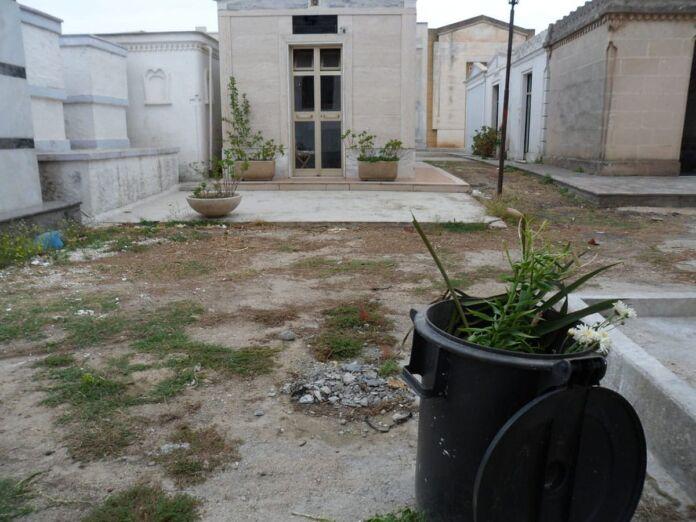 Pulsano: il cimitero grava in condizioni negative