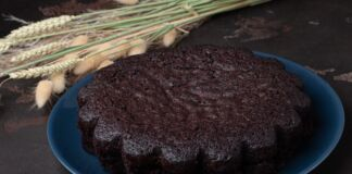 Ricetta torta cioccolato e avena