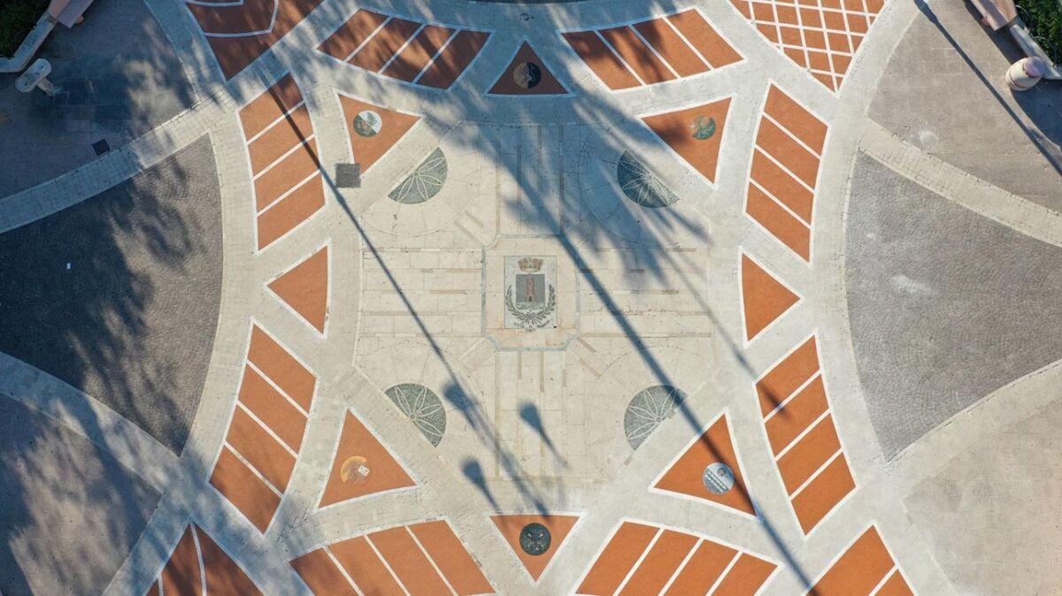 Mosaici in piazza a Massafra