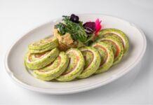 Rotolo di zucchine con salmone