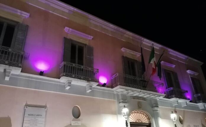 Massafra: Campagna Nastro Rosa AIRC