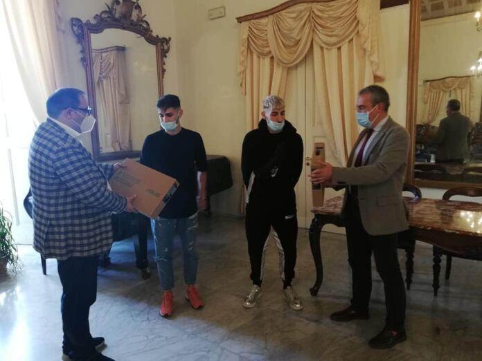 Taranto premiati due ragazzi della Città Vecchia