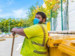 Taranto: operatori ecologici potranno multare le auto dinanzi ai cassonetti