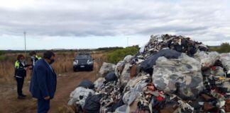 Taranto: cumulo di rifiuti nella zona Circummarpiccolo