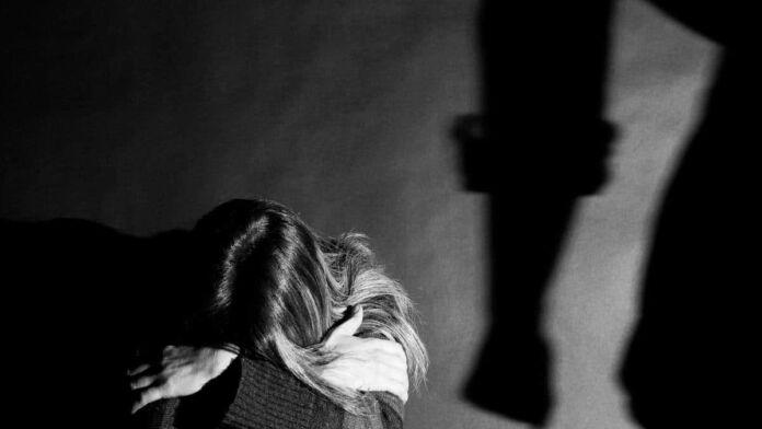 Taranto: 14enne denuncia molestie