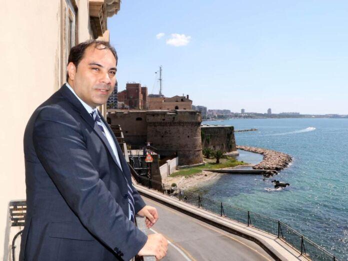 Melucci in giro per Taranto
