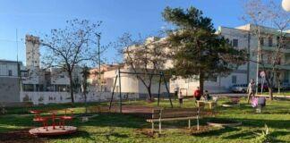 assessore difonzo dona area giochi a Palagianello