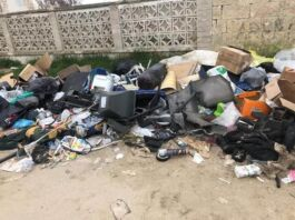 Marina di Taranto: rifiuti abbandonati vicino al mare