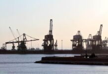 Incidente sul lavoro al porto di Taranto, morto gruista