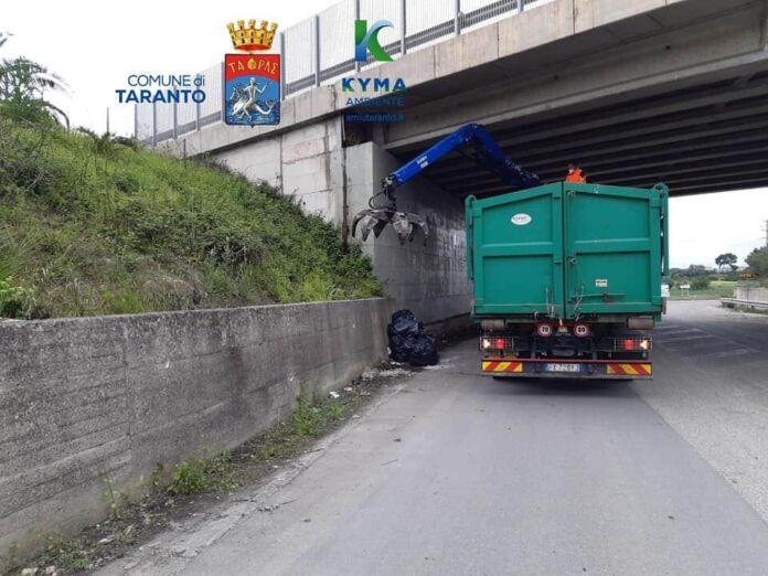 Taranto, Kyma Ambiente ripulisce il sottopasso della Statale 172