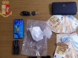 Taranto: due arresti per spaccio di cocaina in un negozio di Frutta e Verdura