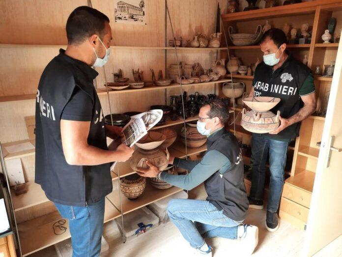 Recuperati reperti archeologici frutto di scavi clandestini in Puglia