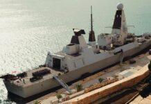 Nave militare inglese con alcuni casi Covid ormeggiata nel porto di Taranto
