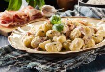 Ricetta Gnocchi con crema di Asiago e Prosciutto: deliziosi