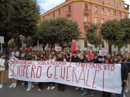Sciopero scuola a Taranto